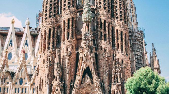 Найвідоміший храм Барселони таки добудують
