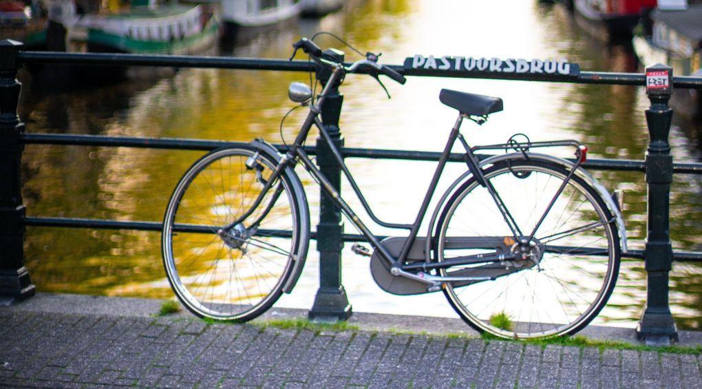 Как старый велосипед превратили в библиотеку