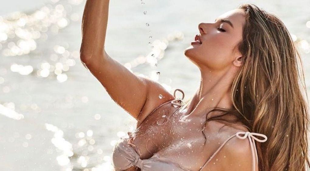 Алессандра Амброзио с подругами в купальниках соблазняют бронзовым загаром