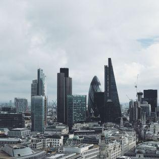 Б'ють на сполох: Британські архітектори закликають заборонити скляні хмарочоси