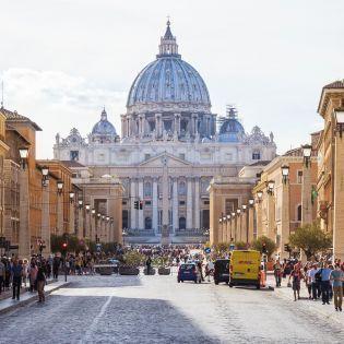 Обменять пластиковые бутылки на проезд: В Риме заработал новый проект