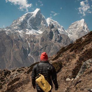 Дорогой Эверест: Правительство Непала поднимает тарифы для восхождения на гору