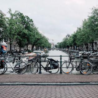 В Нидерландах открыли крупнейший в мире велопаркинг (видео)