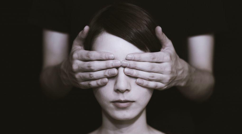 Физическое, сексуальное, психологическое и экономическое: Как уберечься от домашнего насилия