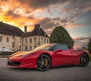 «Зверь, а не машина: Ferrari представила самый мощный кабриолет в мире (видео)