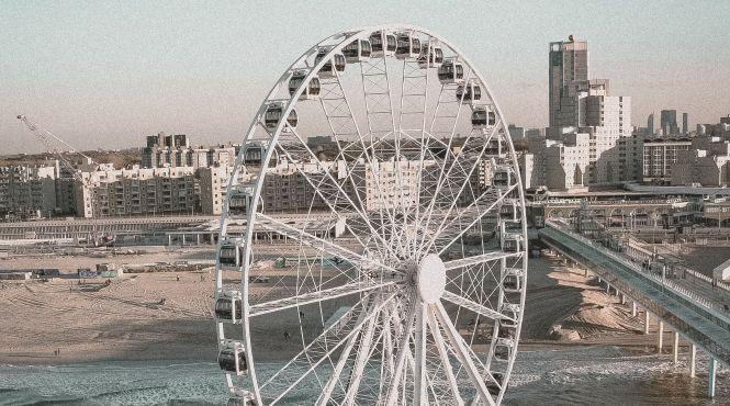 Влада Амстердама рекламує туризм в Гаазі