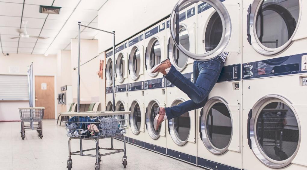 5 лайфхаків, які допоможуть чоловікам «приборкати» прання