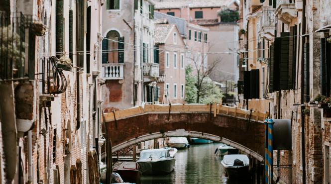 У Венеції «попрощаються» з дешевими сувенірами