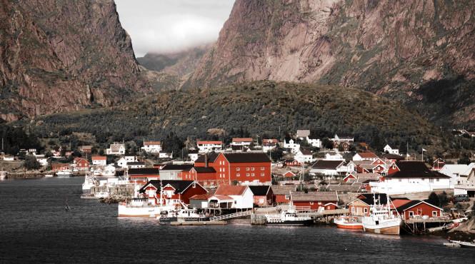 Норвежцы построят центр для наблюдение за китами