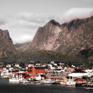 Норвежці  збудують центр для споглядання за китами