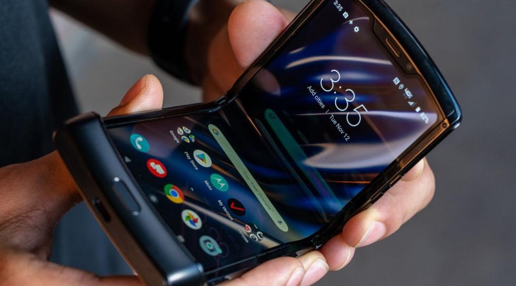 Ностальгическое: Motorola обновила легендарную раскладушку (видео)