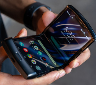 Узнаете из тысячи: Motorola обновила легендарную раскладушку (видео)