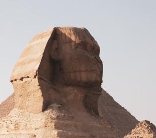 Нарешті з носом: Єгипетські археологи знайшли нову статую Сфінкса