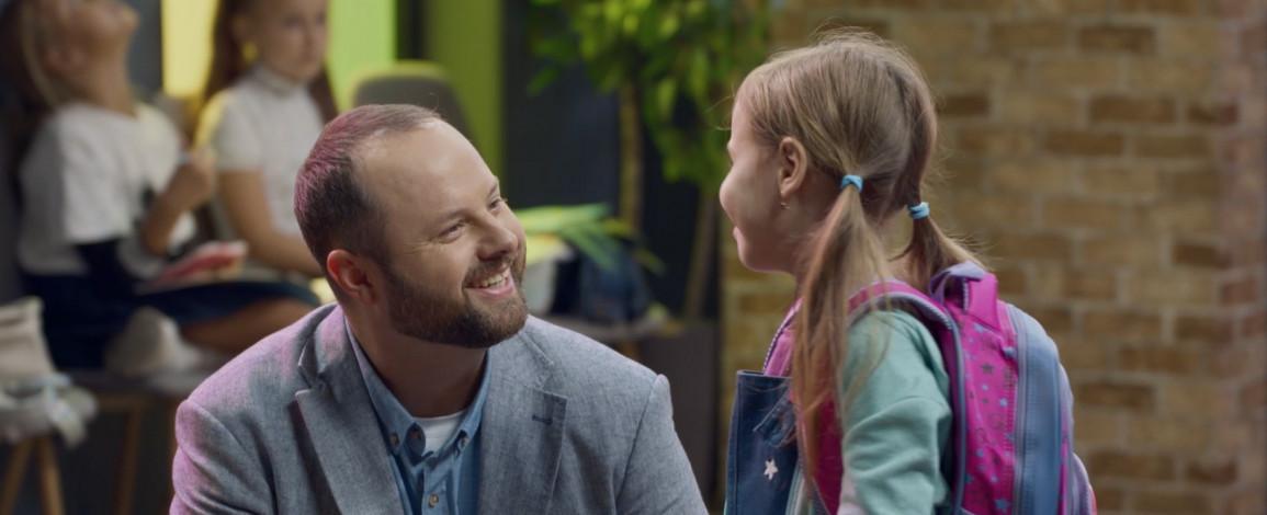 Телеканал ТЕТ анонсував дату виходу третього сезону ситкому «Батько рулить»