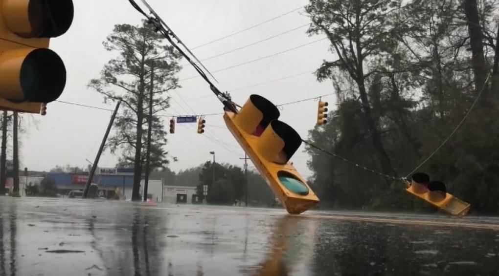 Что следует знать об ураганах и наводнениях: как спастись от стихии?