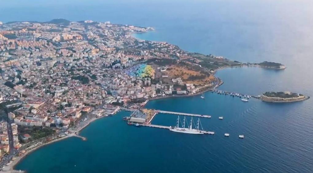 Екологи у шоці: Чорне море покрилось слизом