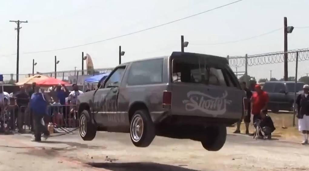 Cтрибаючі машини: скажені авто для скажених чоловіків