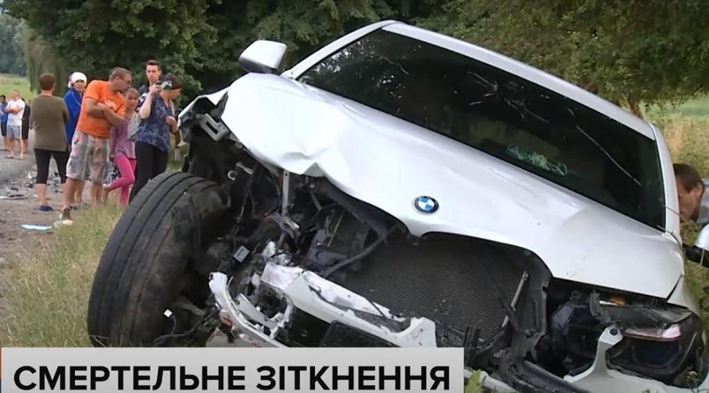На Вінниччині зіткнулися ВАЗ та BMW: серед водіїв – вагітна жінка