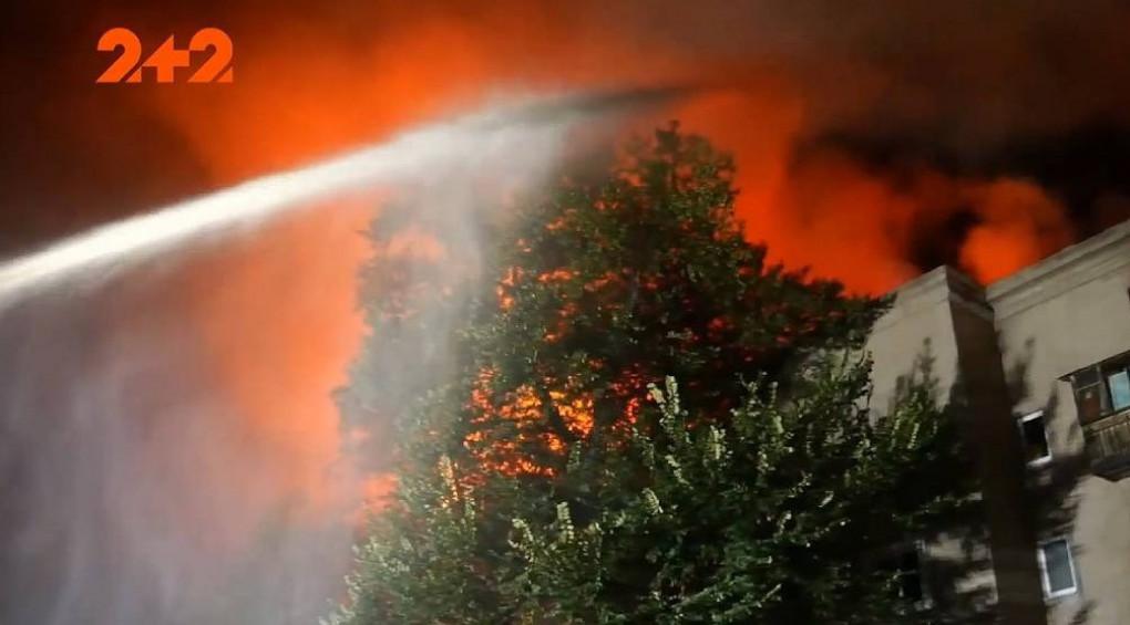 Взрыв в Запорожье: люди остались без крова, а один пожарный – в больнице