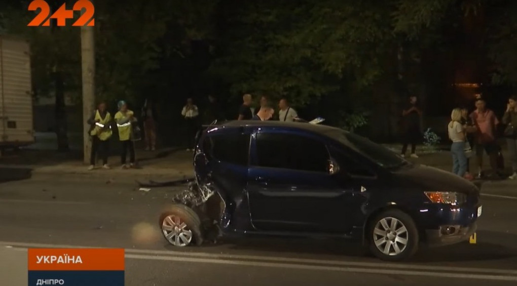 Нетверезий водій протаранив авто, збив пішохода і влетів в супермаркет – його жертвами стали шестеро людей