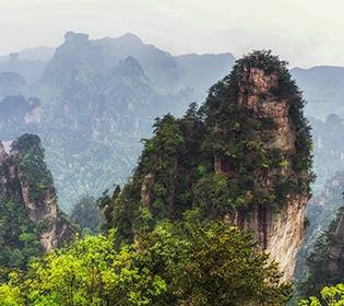 У китайських горах знайшли гробниці людиноподібних істот з непропорційно довгими головами