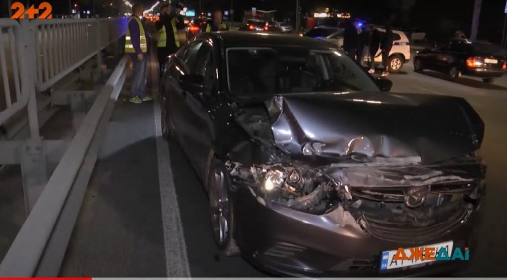 Лакшері-перегони закінчились аварією: як молодь «полоскотала нерви» на столичних дорогах