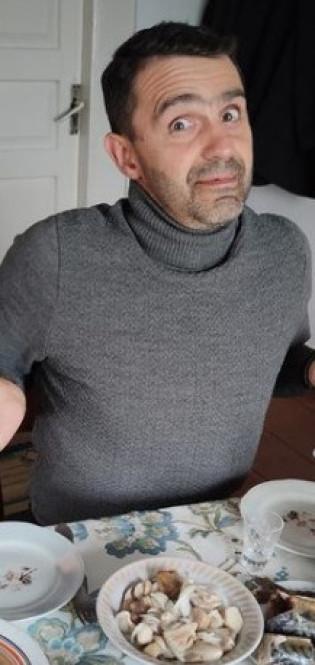 Володька показав пышное застолье в Боброидах