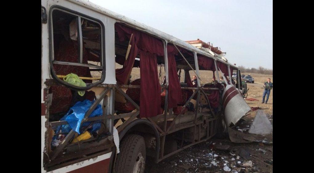 Пасажирський автобус підірвався на протитанковій міні під Горлівкою